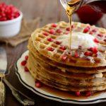 Plato de Waffles con Fruta