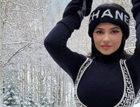 Kylie Jenner modelando Ski Chic