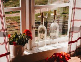 Así es como decorar tu hogar con un portavelas
